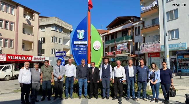 CHP İl başkanı Ecevit Keleş Sapancalı Muhtarları Dinledi.