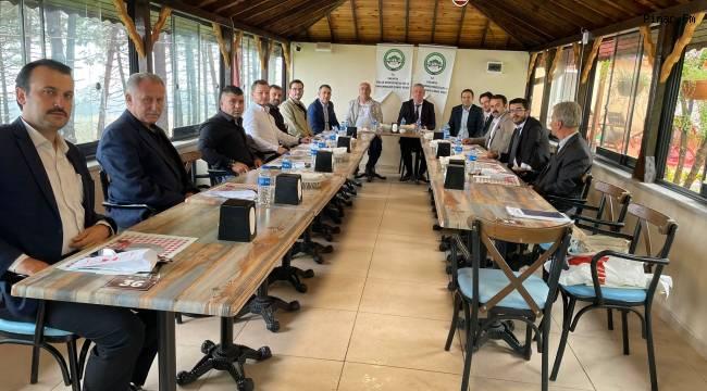 Sakarya Emlak Komisyoncuları ve Danışmanları Esnaf Odası Ferizli Belediyesi sosyal tesislerinde bir araya geldi.