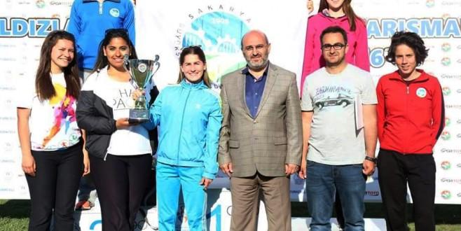 Atletizmciler İzmir'de Kürsüye Çıktı