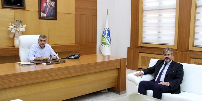 Şeker fabrikası müdürü Çapraz Toçoğlunu ziyaret etti.